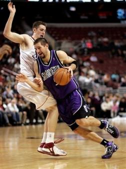 capt_a433c0e81ff94660bde2edf3db40cbb7_kings_76ers__basketball_patm103.jpg